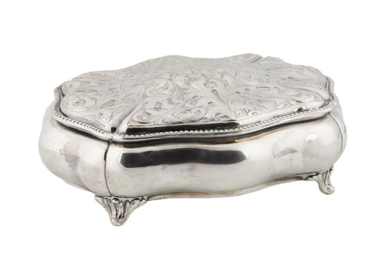 | Scatola portagioie in argento |