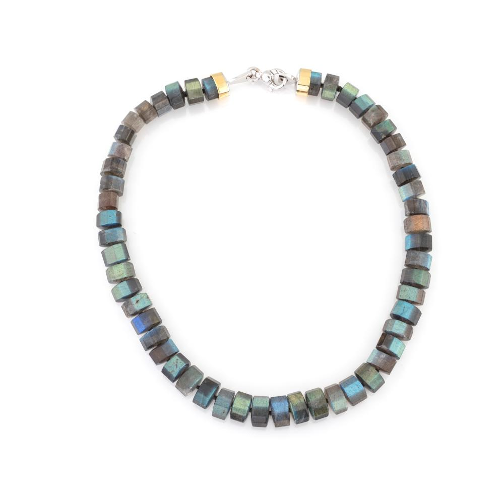 Lot 232: LABRADORITE NECKLACE