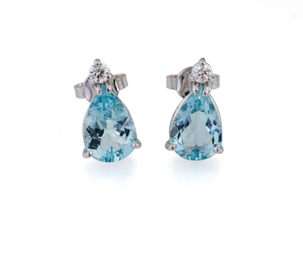 AQUAMARINE DROPS-SHAPE EARRINGS