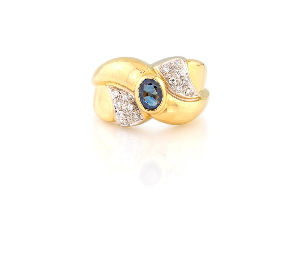 YELLOW GOLD RING WITH SAPPHIRE