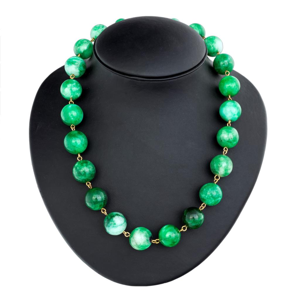 BURMANESEA JADE NECKLACE