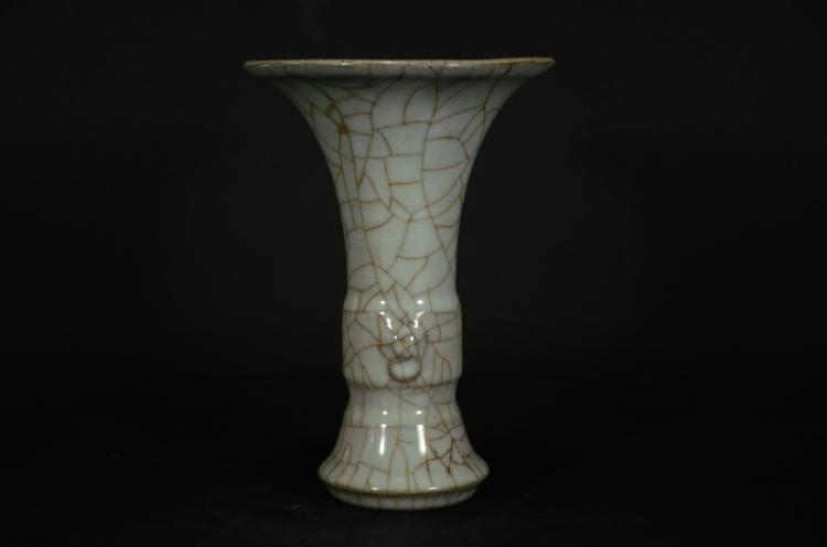 A Ge Type Vase