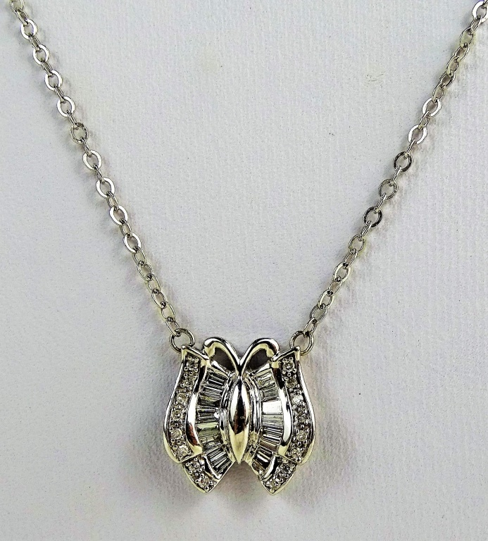 LADIES 14KT WHITE GOLD DIAMOND BUTTERFLY NECKLACE