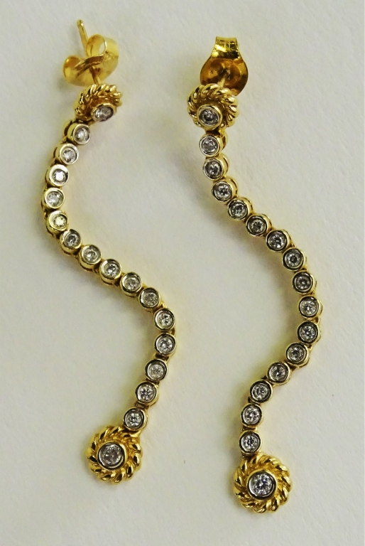 PR LADIES 14KT YELLOW GOLD DIAMOND DROP EARRINGS