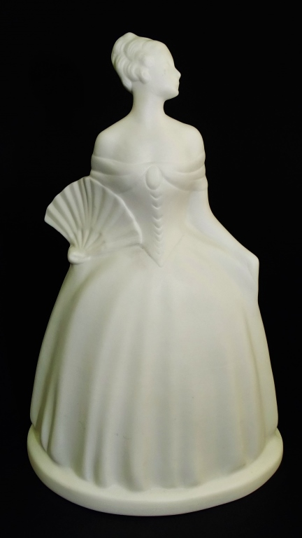 VINTAGE LENOX PARIAN SCULPTURE WOMANWITH FAN