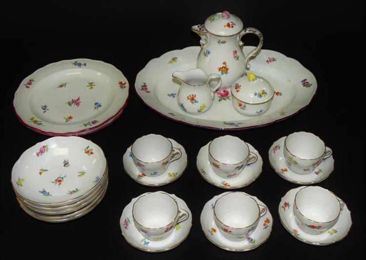 23PCS MEISSEN 'SCATTERED FLOWERS' PORCELIAN