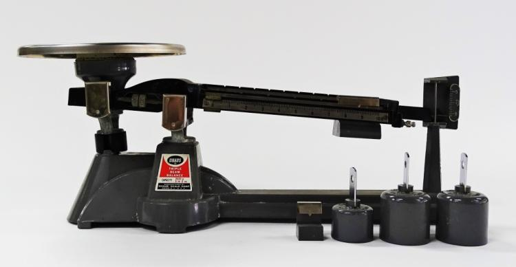 VINTAGE 1950-60S OHAUS TRIPLE BEAM BALANCE SCALE