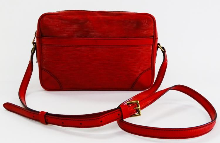 VINTAGE LOUIS VUITTON EPI RED WOMANS BAG