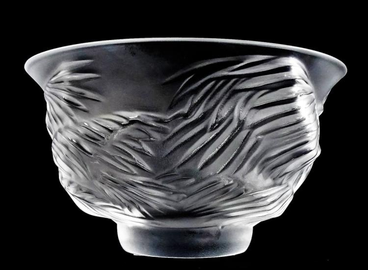 LALIQUE MOLDED & FROSTED CRYSTAL 'KELAPA' BOWL