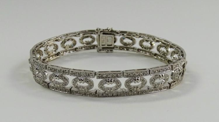 LADIES FANCY 18KT WG 2.50CT DIAMOND BRACELET