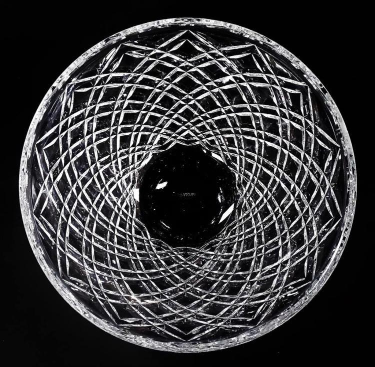 TIFFANY & CO CRYSTAL DIAMOND CUT CENTERPIECE BOWL