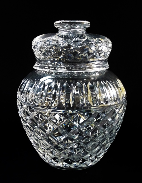 LARGE CRYSTAL CUT GLASS GINGER LIDDED JAR
