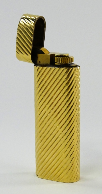 CARTIER 18KT YELLOW GOLD RIBBED LIGHTER