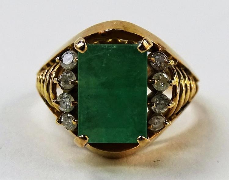 LADIES 18KT YELLOW GOLD EMERALD & DIAMOND RING