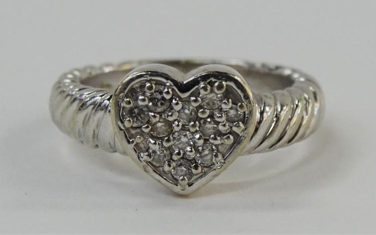 LADIES 14KT WHITE GOLD HEART SHAPED DIAMOND RING