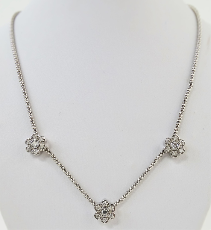 LADIES 14KT WG DIAMOND FLOWER CHARM NECKLACE