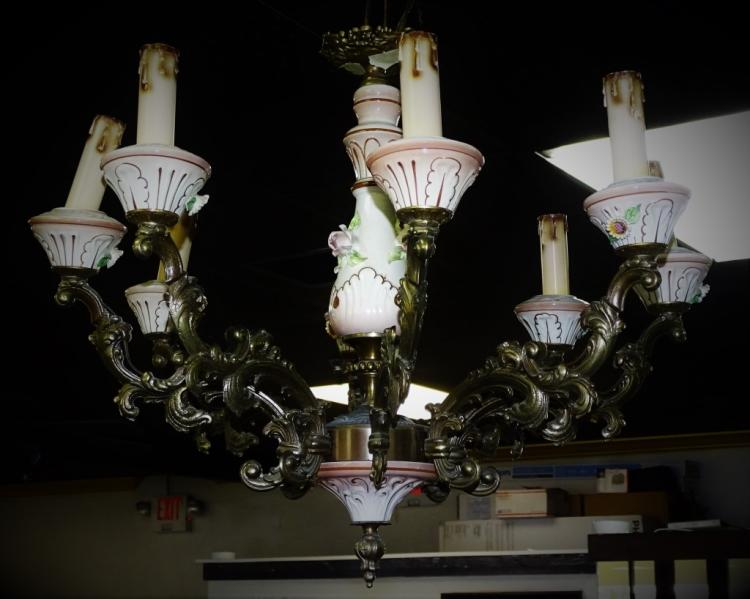 ANTIQUE CAPODIMONTE 8 LIGHT PORCELAIN CHANDELIER