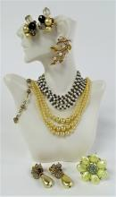 PRIME LOT OF VINTAGE COSTUME JEWELRY INC CARNEGIE
