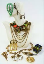 LOT OF VINTAGE COSTUME JEWELRY INC CROWN TRIFARI