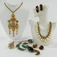 SWELL LOT OF VINTAGE COSTUME JEWELRY INC VENDOME