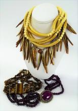 SPECTACULAR LOT OF VINTAGE COSTUME JEWELRY