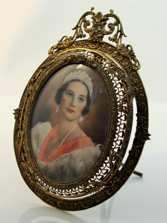 Antique hand painted miniature portrait painting for Hand painted portraits from photos