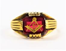 ANTIQUE MASONIC GENTS 14KT GOLD & RUBY RING