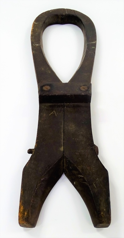ANTIQUE COLONIAL WOODEN YOKE