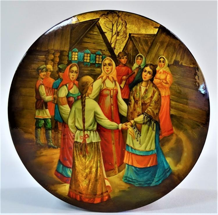 RUSSIAN LACQUERED HAND PAINTED SINGING GROUP