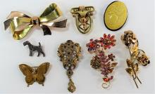 LARGE LOT OF COSTUME PINS/BROOCHES/CLIPS