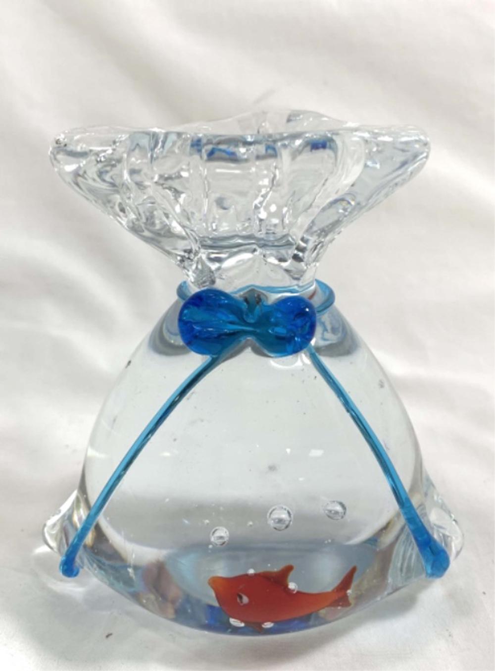 VERY UNIQUE 3D GOLDFISH GLASS FISHBOWL SCULPTURE
