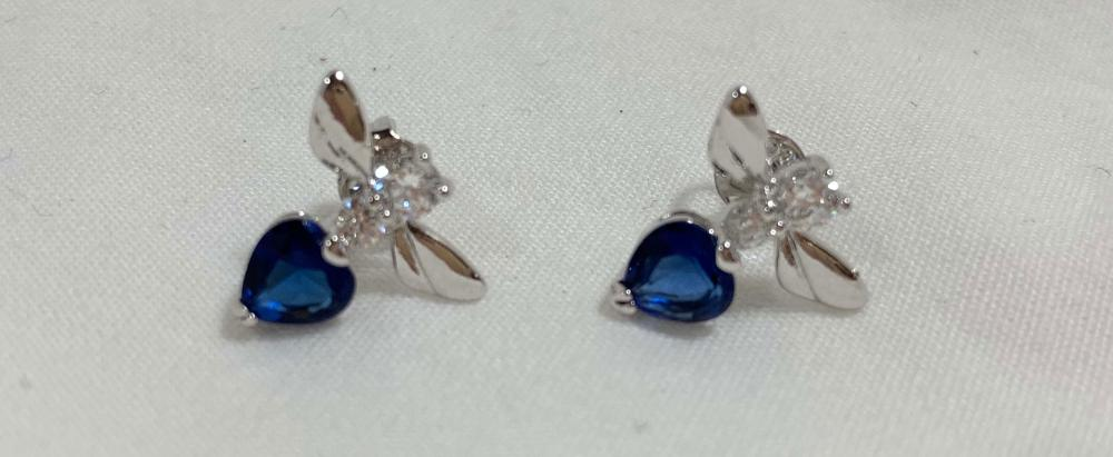 ADORABLE BLUE/WHITE SAPPHIRE DRAGONFLY EARRINGS