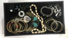 TRAY LOT OF ASSORTED VINTAGE COSTUME JEWELRY