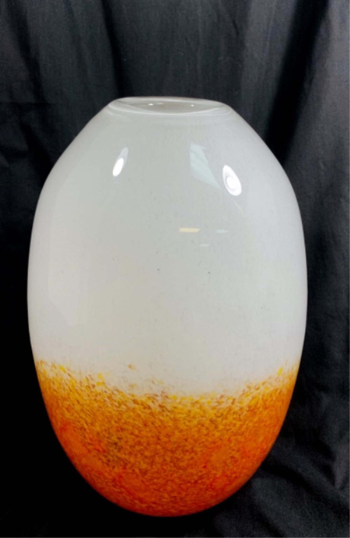 GORGEOUS ORANGE/WHITE SPECKLE GLASS MURANO VASE