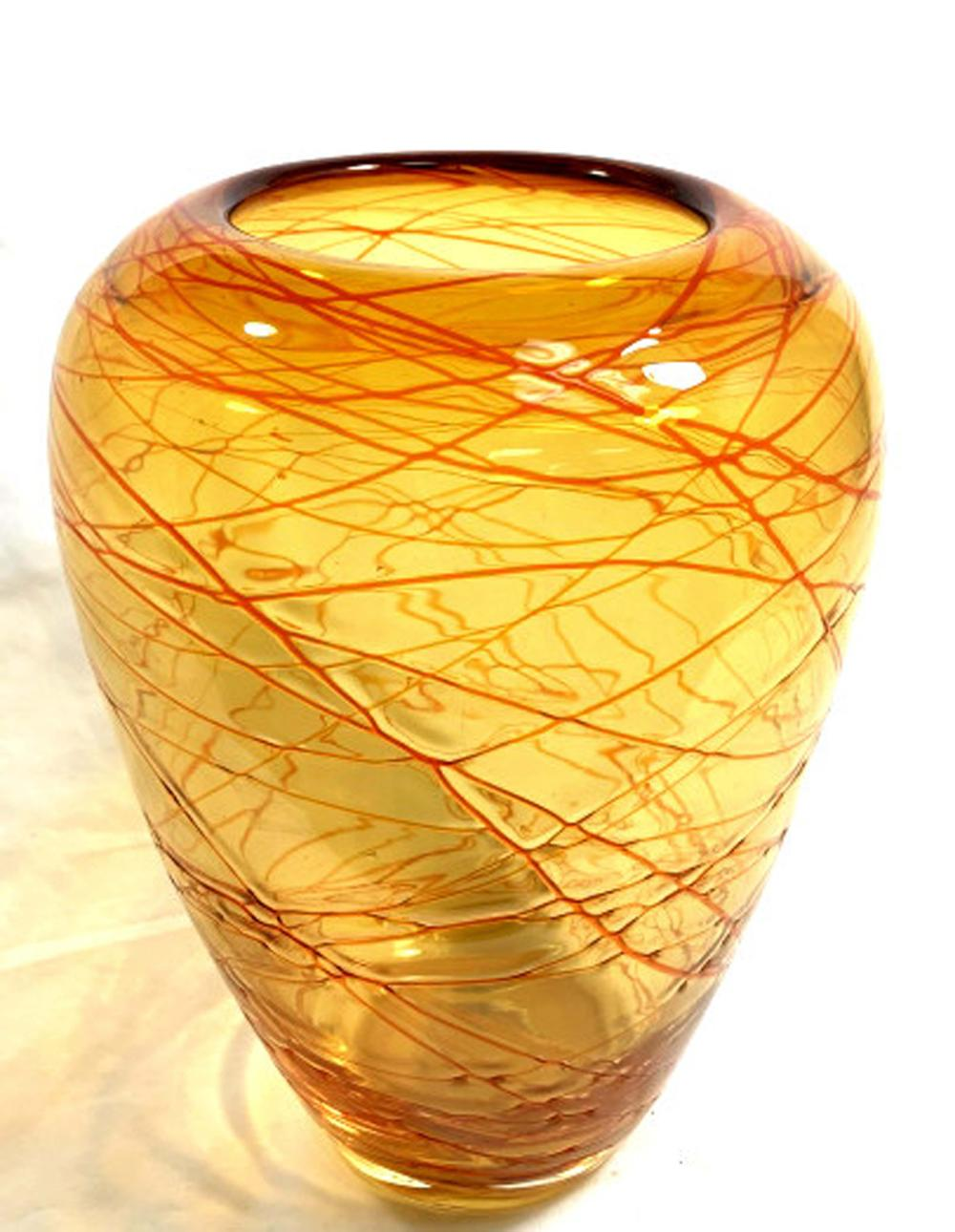 ABSTRACT ORANGE SWIRLING LINES ART GLASS VASE