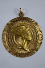 18K GOLD EGYPTIAN NEFERTITI MEDALLION PENDANT