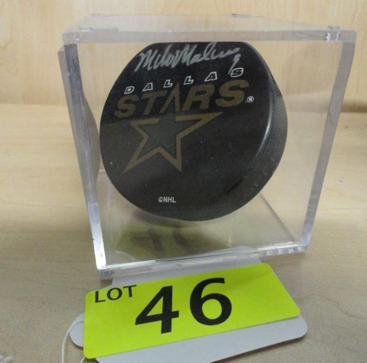 MIKE MODANO AUTOGRAPHED HOCKEY PUCK