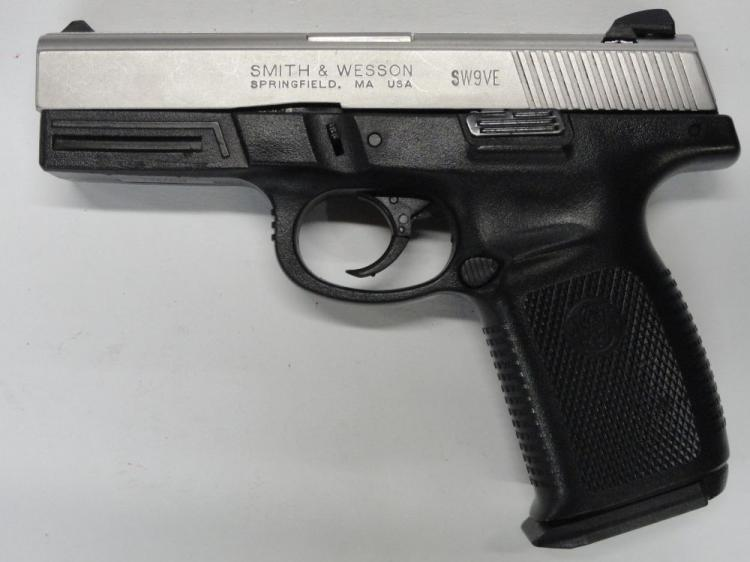 "SMITH & WESSON MOD SW9VE SEMI-AUTOMATIC PISTOL, SR # PDX7963, 9 MM CAL. STAINLESS STEEL SLIDE, POLYMER FRAME, 4"" BARREL, 15 ROUND MAGAZINE. EXCELLENT CONDITION"