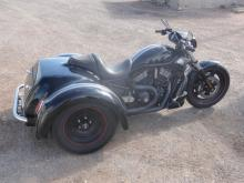 2009 HARLEY DAVIDSON TRIKE WITH 1500 MILES, RUNS