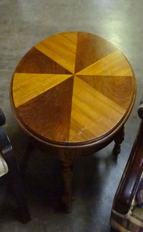 ANTIQUE INLAID OVAL MAHOGANY SIDE TABLE