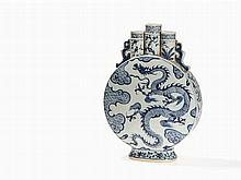 A Blue-and-White Pilgrim Flask with 3 Necks, 19th/20th C.