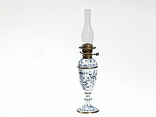Meissen Porcelain Oil Lamp with 'Blue Onion' Pattern, pre-1888