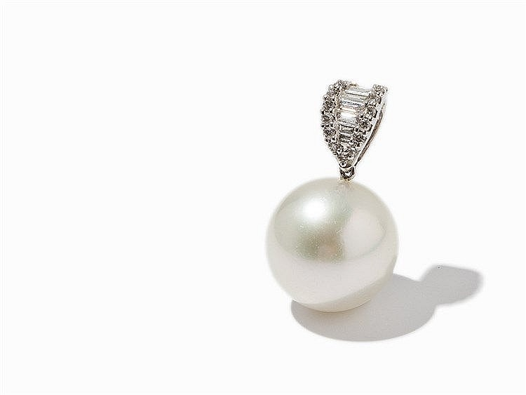 Pendant with 15.4 mm South Sea Pearl & Diamonds, 18K Gold