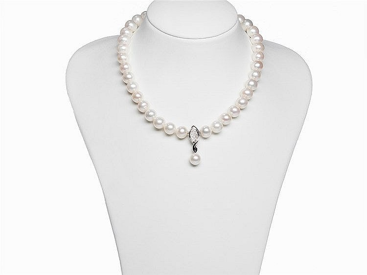 Freshwater Pearl Necklace 10.5 - 11.5 mm with 14K Gold Clasp