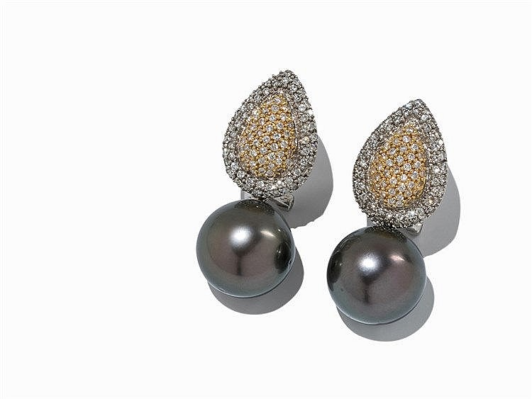 18 K Ear Clips with Brilliant Cut Diamonds & Tahian Pearls