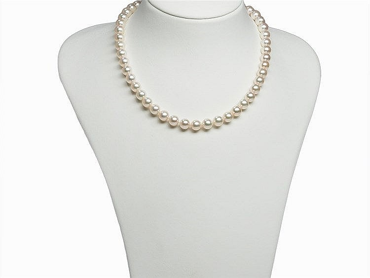 Akoya Pearl Necklace 8,5 - 9 mm with 14K Gold Clasp