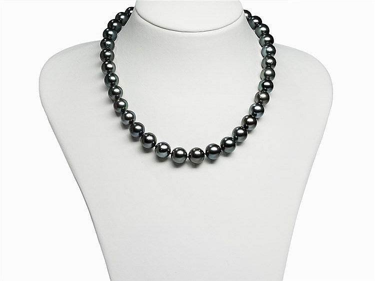 Tahitian Pearl Necklace 10.5 - 12.6 mm with 14 Karat Gold Clasp