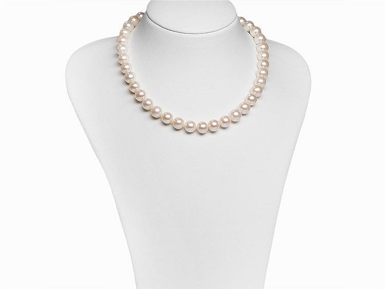 Freshwater Pearl Necklace 10.5 - 11 mm with 18K Gold Clasp