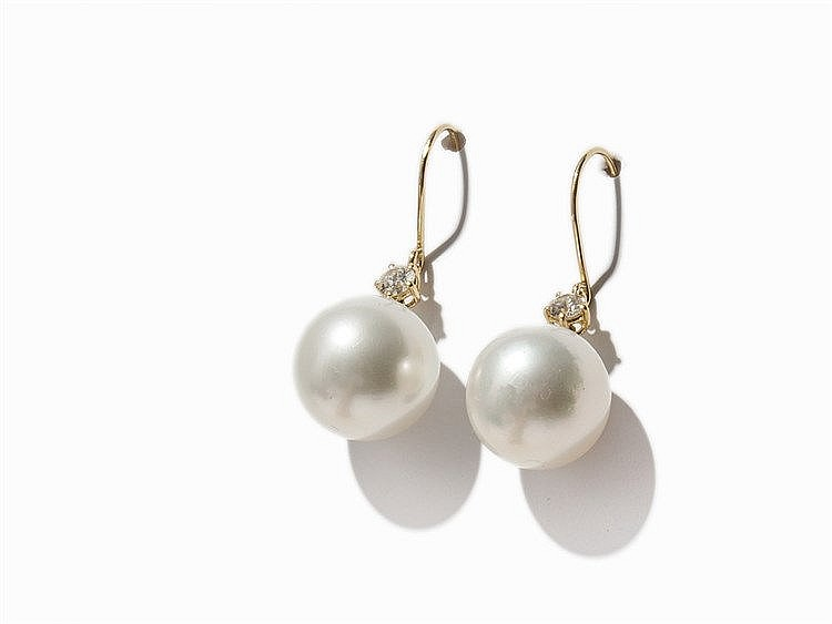 Pair of Ear Hangers with South Sea Pearls & Diamonds, 18K Gold