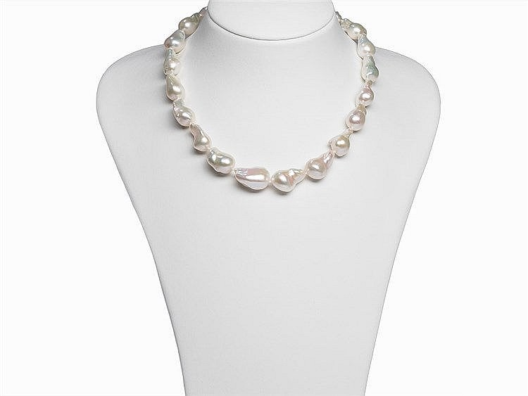 Baroque Freshwater Pearl Necklace with 18K Gold Clasp